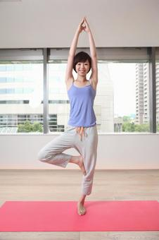 Women who are playing yoga 12