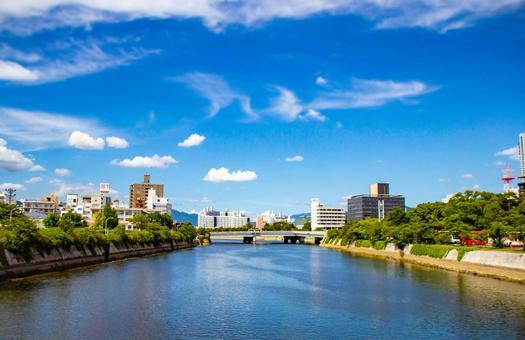 Hiroshima city river and sky