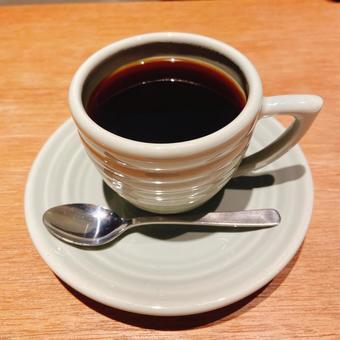 뜨거운 커피