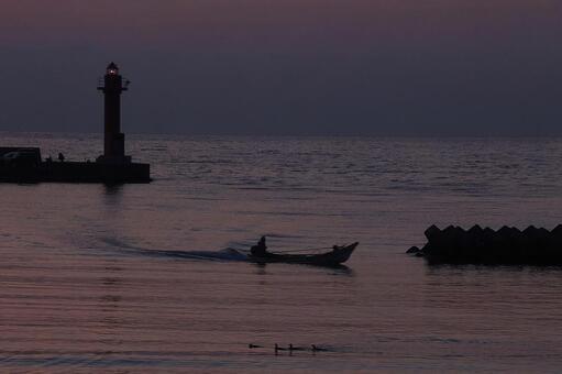 오타루 슈 쿠츠 어항의 새벽