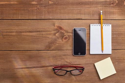 Glasses, smartphones and writing instruments 2