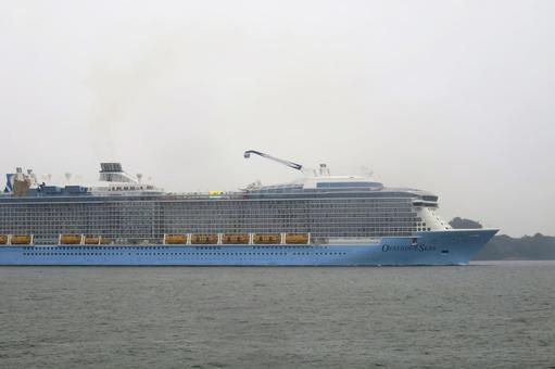 대형 크루즈 선박 4