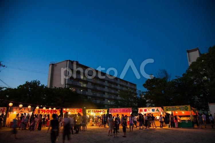 夏祭り 出店の写真