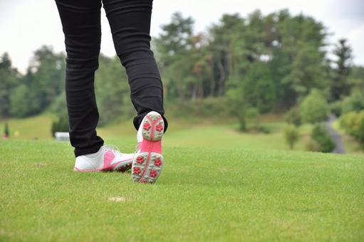 Golf girls' swing right foot