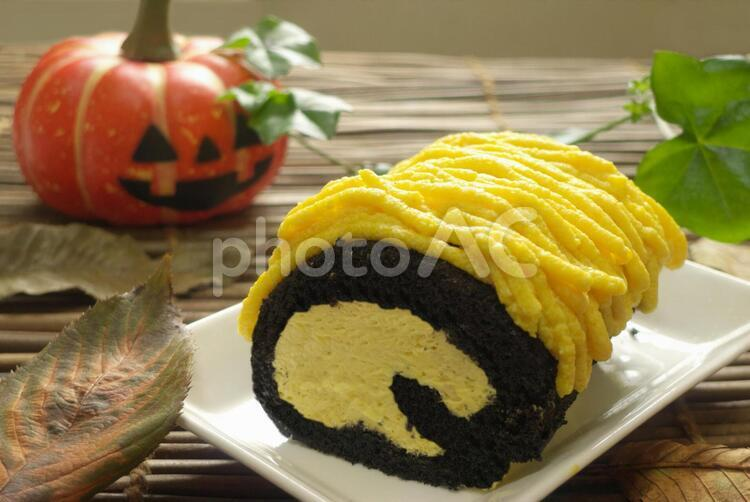 ハロウィンのロールケーキの写真