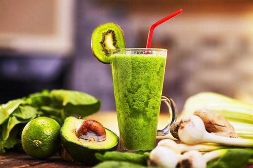 Cucumber Fruit and Green Smoothie 3