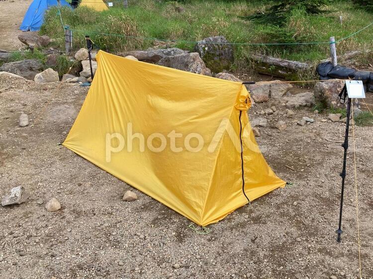 ツェルト(簡易テント)で宿泊するの写真