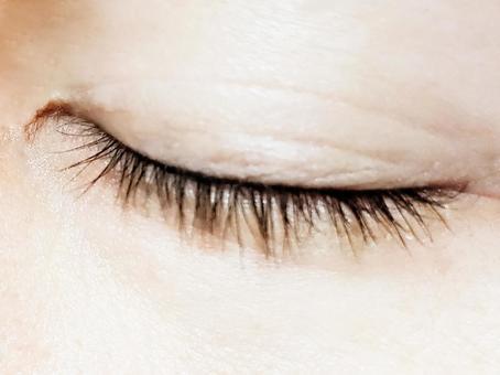Closed eyelids and eyelashes