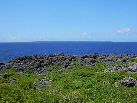 오키나와 기타 다이토 섬 · 태풍 바위에서 본 미나미 다이토 섬