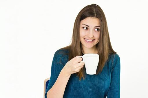 德國女人用一個杯子9