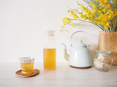 Living Boiled barley tea Summer image