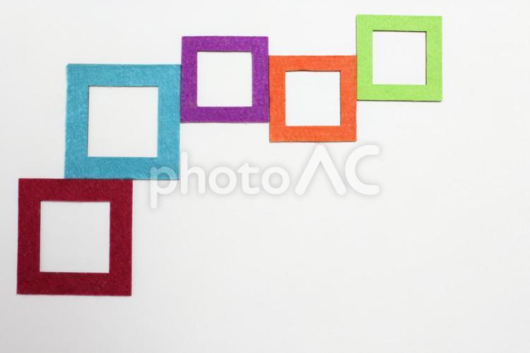 色々な色の四角の写真