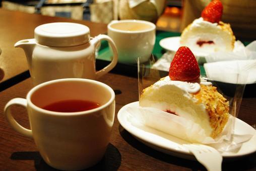 Tea in a coffee shop