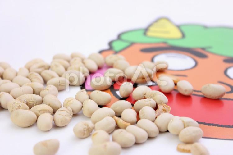 豆とお面の写真