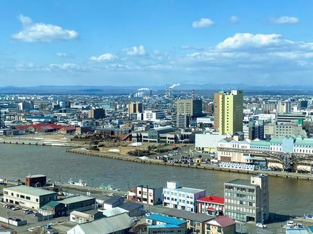 俯瞰Ku路港和城市