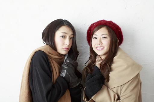 Female Friend Winter Fashion 20