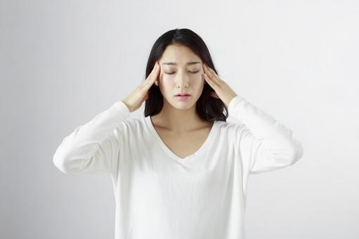 Japanese women suffering from headaches 12