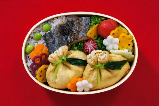 Lunch box of grilled Spanish mackerel and purse with hijiki seaweed _05