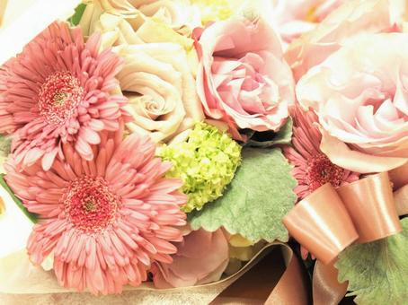 Bouquets of gerberas and roses, bouquets, flower arrangements