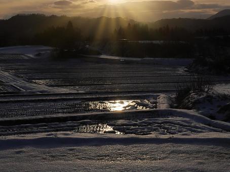 일본의 원 풍경 겨울 시골의 설경