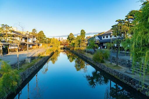 이른 아침의 오카야마 현 구라 시키 미관 지구 倉敷川