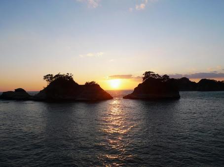 在Dogashima的日落