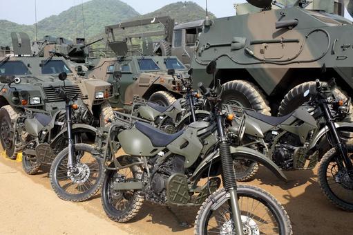 自卫队车辆