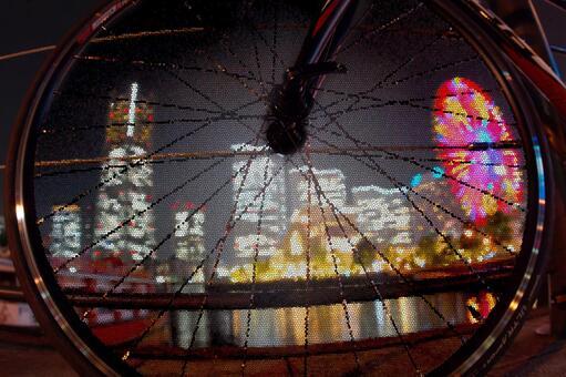 Minato Mirai visible through the wheel