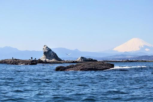 치가 사키 주변의 아름다운 풍경 烏帽子岩와 후지산