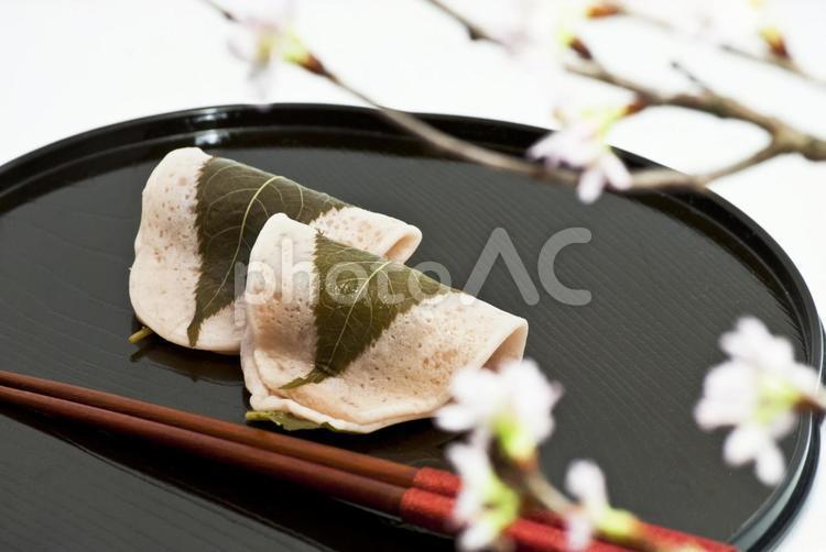 桜と桜餅の写真