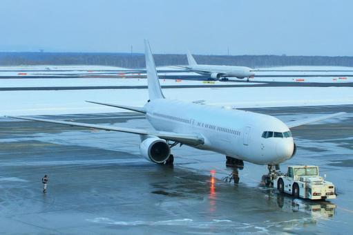2架飞机的飞机