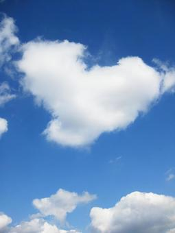 Heartish clouds