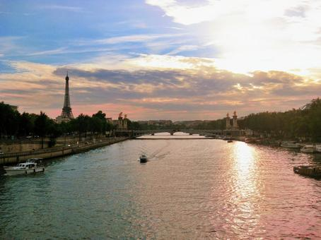 Seine and Eiffel Tower at dusk