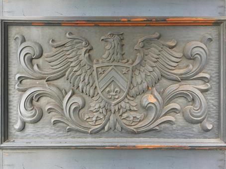 鷲の彫刻のエンブレムの背景素材_2