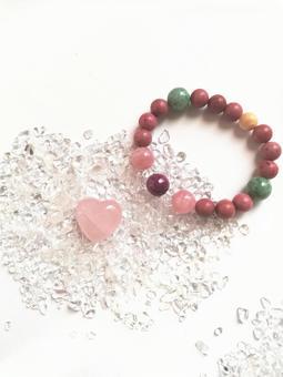 Heart-shaped rose quartz and gemstone bracelet