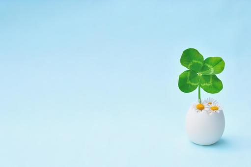 Simple frame of four-leaf clover