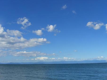 Lake and sky, clouds and mountains of Kosai 002