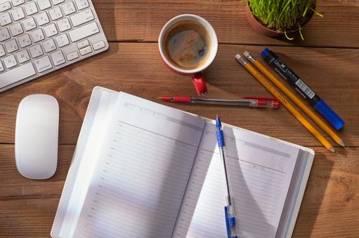 PC accessories and writing utensils and coffee 5