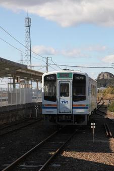 新所原车站和Tenhama线车辆5