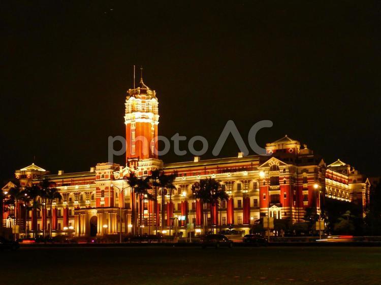 台湾-台北(中正_台湾総統府の塔と夜景)の写真