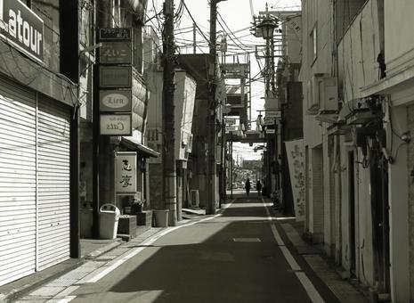 둘이서 걸은 거리에서 (흑백)
