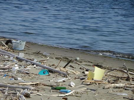 Garbage that has drifted to the coast (Marine debris) Marine plastic garbage Problem image Background material