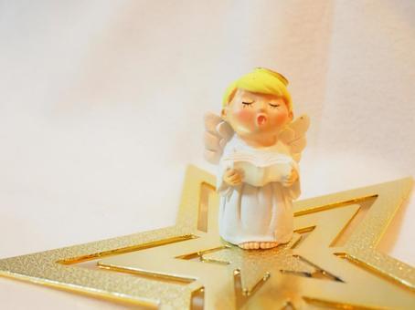 크리스마스 잡화 천사 합창단 (눈을 감고있는 천사)