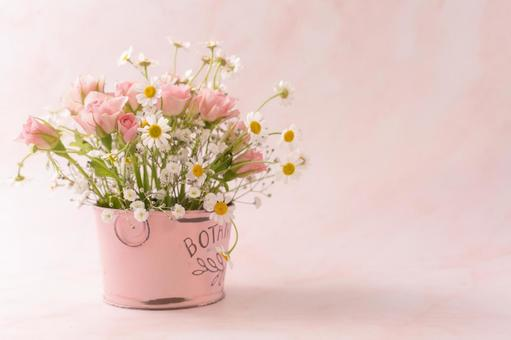 Image of spring Bouquet in a pink tin bucket