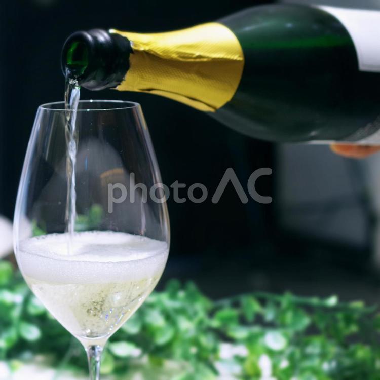 スパークリングワインの写真