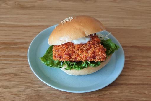 Chicken burger (chicken sandwich)