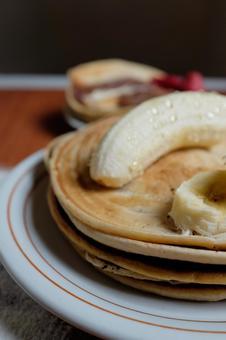 Making pancakes 83