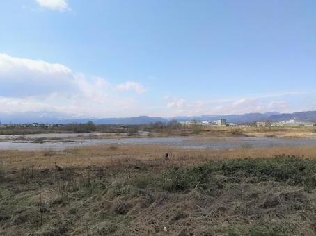 阿武隈川と青空 遠景