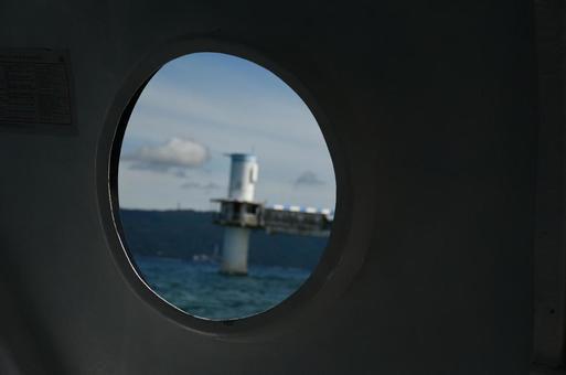 창밖으로 보이는 바다 전망대
