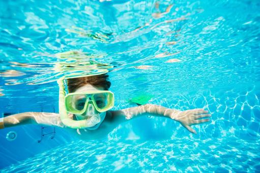 Boys wearing snorkel underwater photography 4